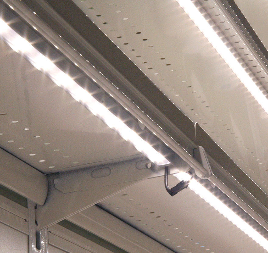 Lighting Retailers: Quick Connect Lights