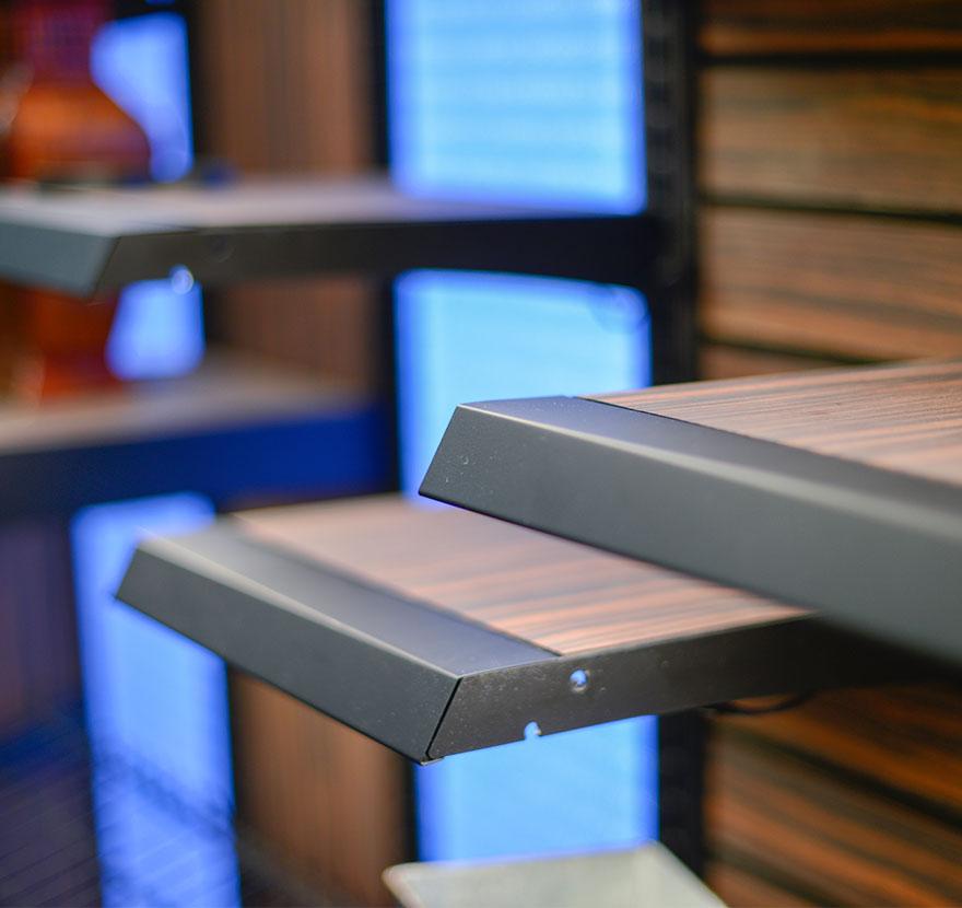 Retail Shelving No-Tag-Shelf Lozier
